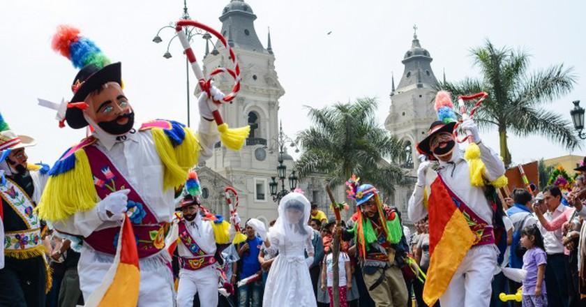 Street Dancing in Lima © M M/Flickr