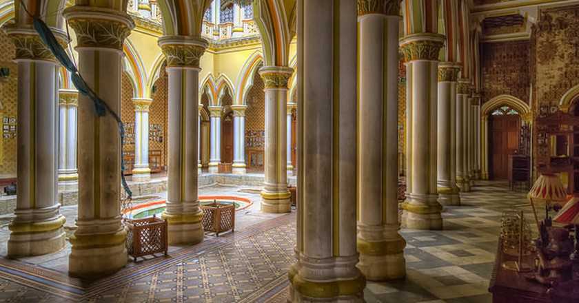 Pillars on Main Floor | © JohnHoey/Flickr