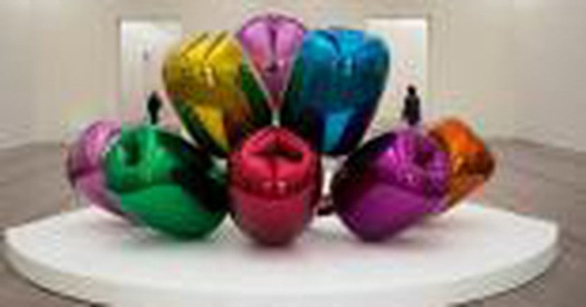 Exploring Jeff Koons: Inflatable Balloon Animals and the Female Nude