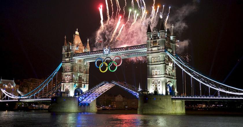 Olympics Opening Ceremony Fireworks At Tower Bridge | © Edvvc/WikiCommons