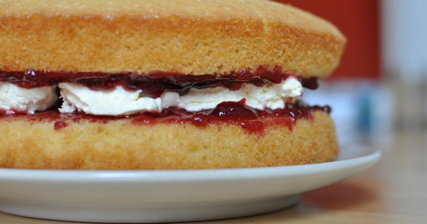 The Top 10 Traditional British Cakes