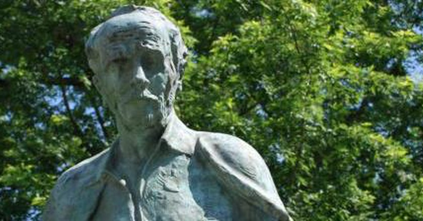 Macedonian Literature: In Search of a National Identity