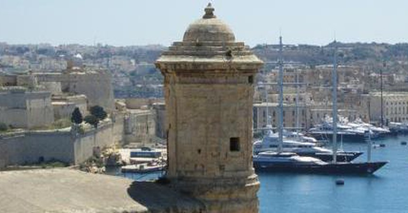 Towards An Independent Literature: Malta's Writers and Poets