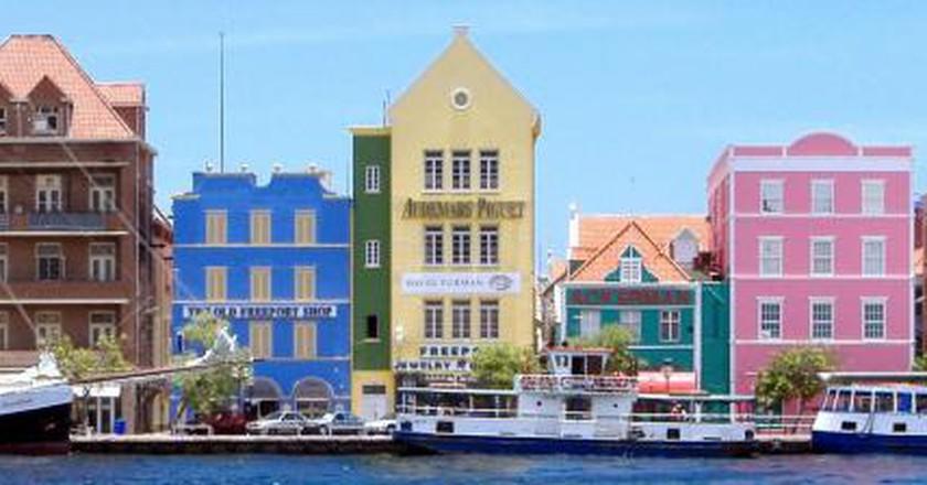 The Polyglot Isle: Cola Debrot and Dutch-Caribbean Fiction