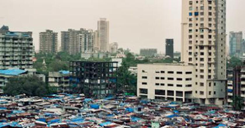 Portraying Mumbai's Buildings | Alicja Dobrucka's Photography