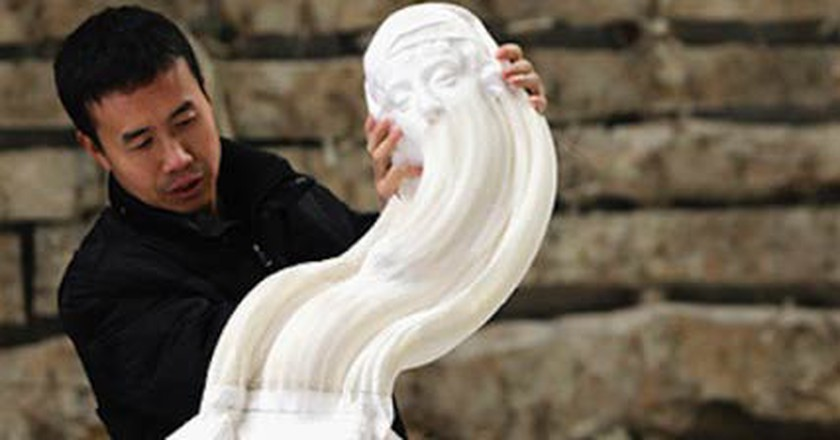 Li Hongbo's Stunning, Stretchable Paper Sculptures