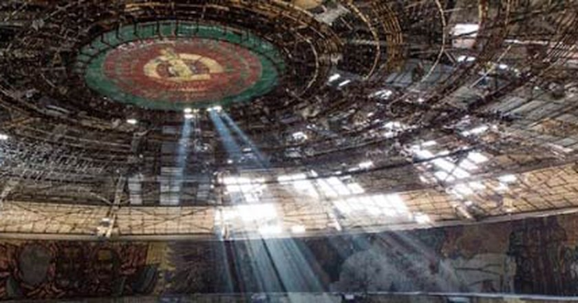 Sylvain Margaine: Photographer Of Eerie Abandoned Buildings