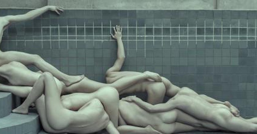 The Geometry Of Nudity: Evelyn Bencicova's Raw Photography