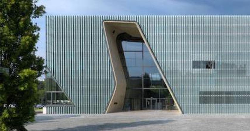 Warsaw Museum Celebrates History of Polish Jews
