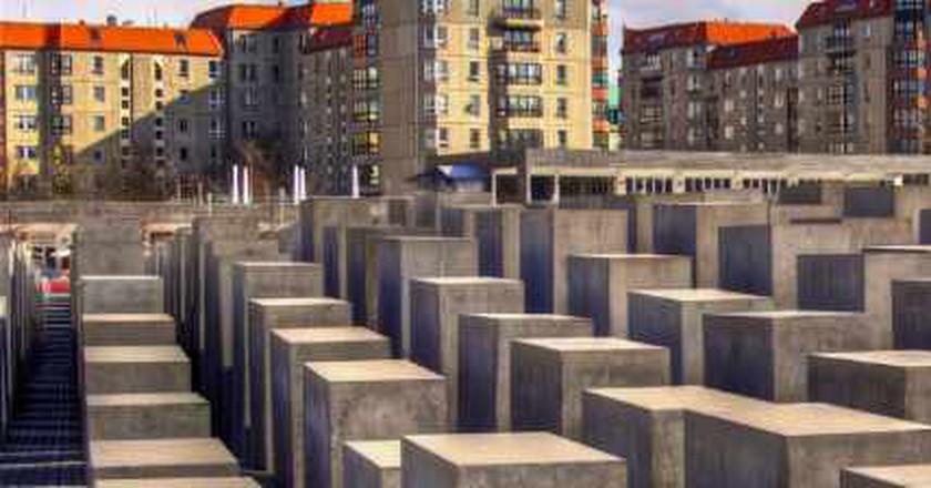 Perplexing Monuments: Germany's Holocaust Memorials