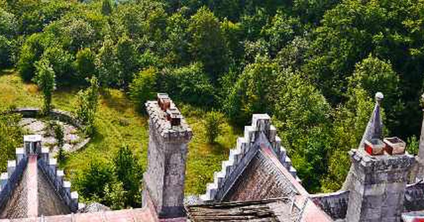 Château Noisy: A History Of Beauty And Decadence