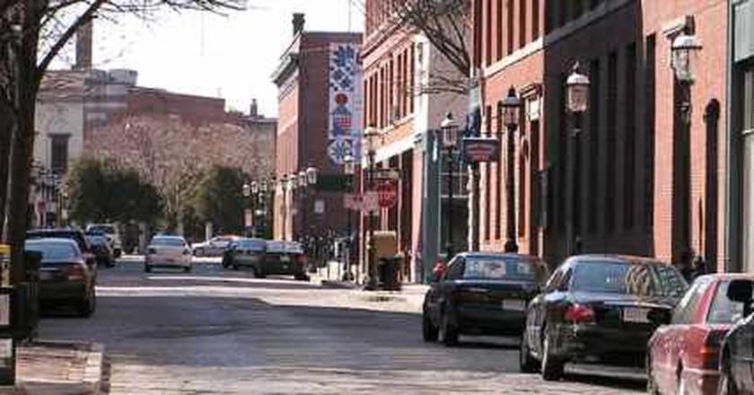 The 10 Best Bars In Lowell, Massachusetts