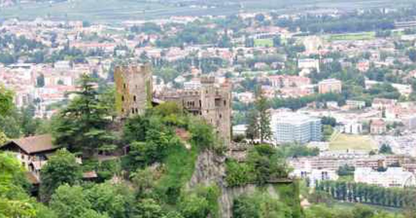 The 10 Most Beautiful Castles In Italy