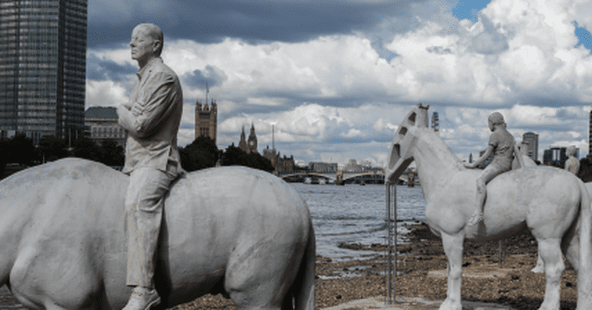 Vauxhall's Thames Horse Sculptures Make A Statement On Climate Change