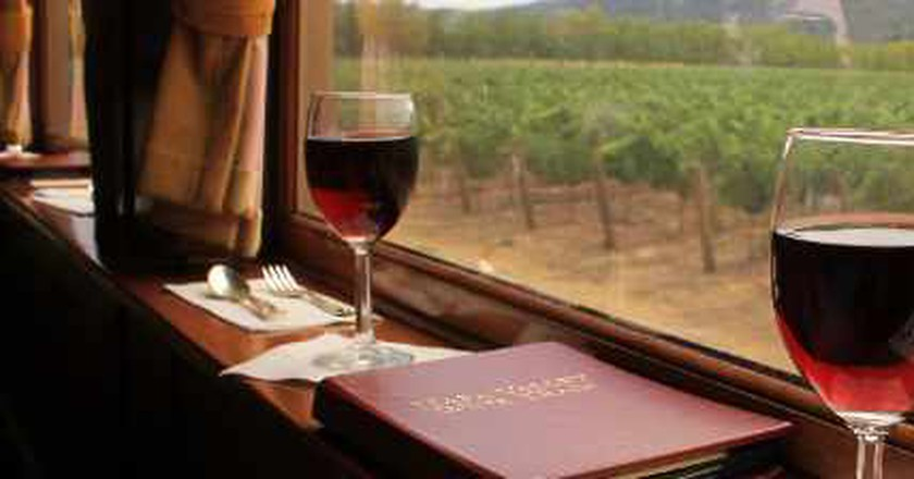 10 Gorgeous U.S. Train Rides To Take This Fall