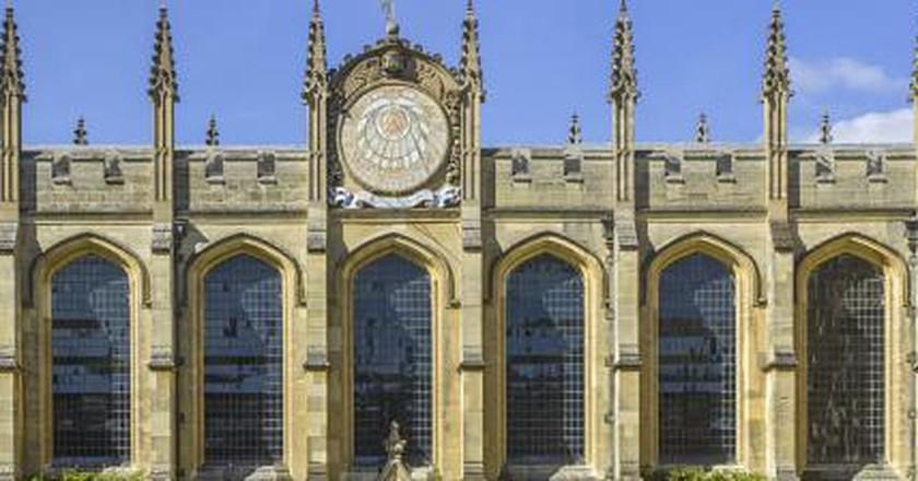 The Smoking Gun: 10 Must-Read Oxford Murder Mysteries