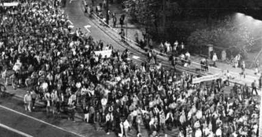 History Remembered: The Night The Berlin Wall Fell