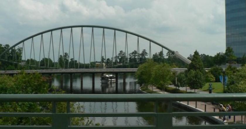 The Woodlands Waterway Bridge | © Rick Kimpel/Flickr