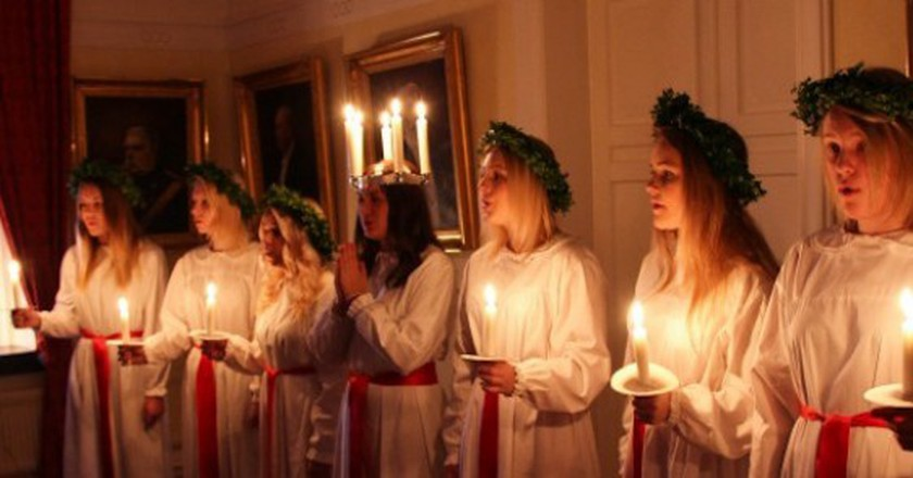 Chorus with this Years Lucia of Trelleborg   © Susanne Nilsson/Flickr