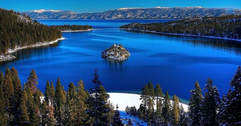 Emerald Bay, Lake Tahoe, USA   ©Michael/WikiCommons