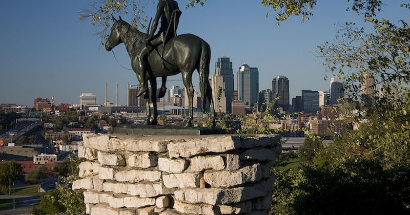 The Scout Statue in Penn Valley Park | ©  Cyrus E. Dallin/WikiCommons