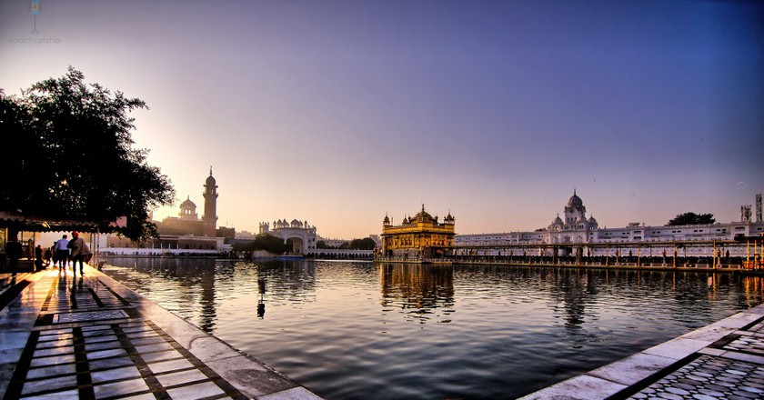 Sunrise at Sri Harmandir Sahib | © Raghavan Prabhu/Flickr