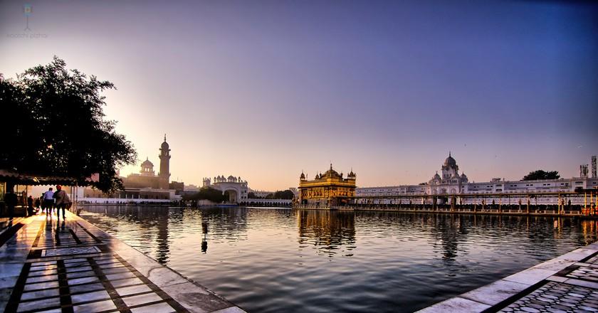 Sunrise at Sri Harmandir Sahib | © Raghavan Prabhu/Flickr
