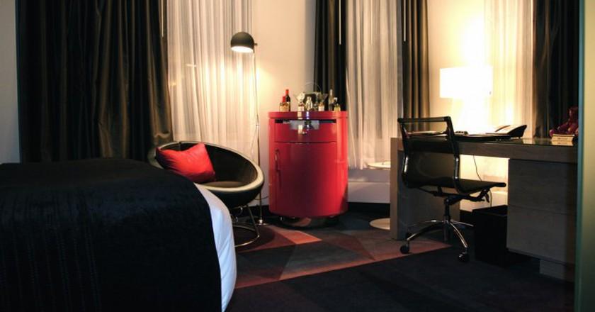 Fabulous Room Sitting Area - W Minneapolis, The Foshay | © TravelingOtter/Flickr