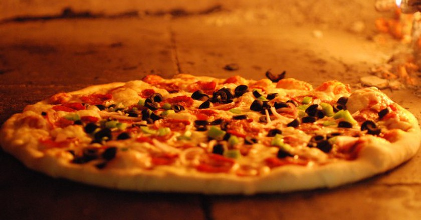 Thin Crust Pizza | © Hungry Dudes/Flickr