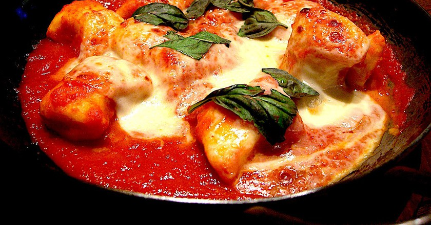 Gnocchi Napoli with mozzerella | © Alpha/Flickr