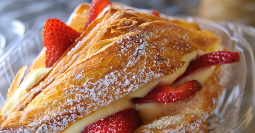 Strawberry Croissant |©Neil Williams/Flickr
