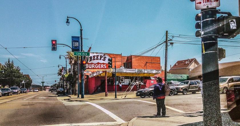 Beep's Burgers Street | © Robert Couse-Baker/Flickr