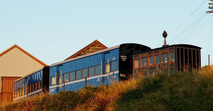Darjeeling Himalaya Railway Carriage | ©  Peter Trimming/Flickr
