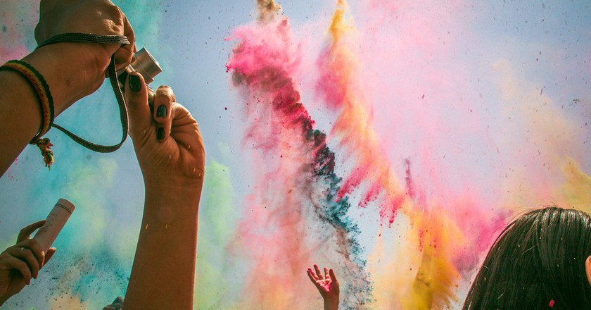 Celebrate The Coming Of Spring With Holi Hai
