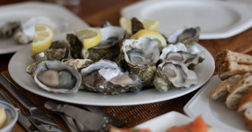 Oysters | © Lachlan Hardy/Flickr