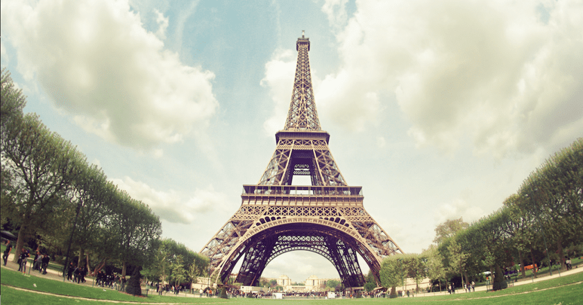 Eiffel Tower | © Juanedc/Flickr