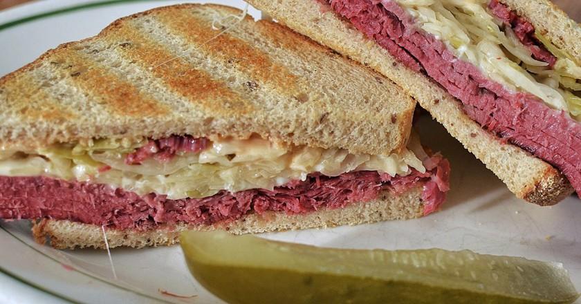 Reuben sandwich | © jeffreyw/Flickr
