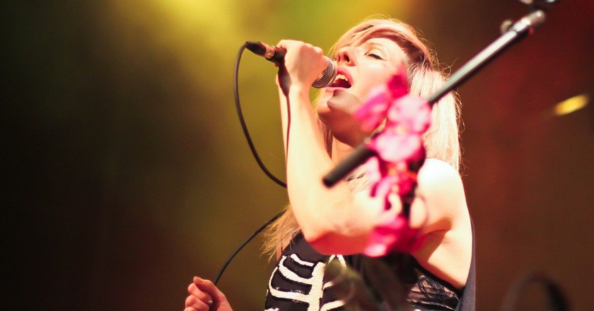 Get Delirious With Ellie Goulding At The Staples Center