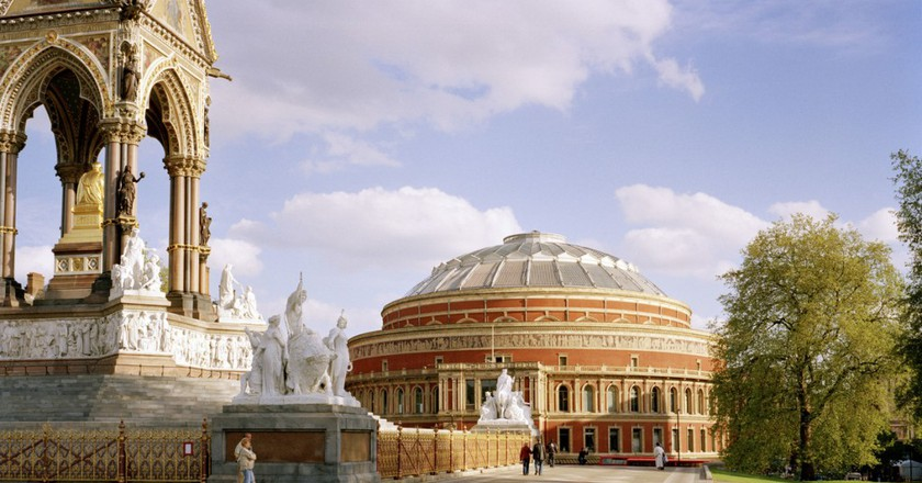 The Albert Memorial and the north facing entrance to the Royal Albert Hall. | © Marcus Ginns