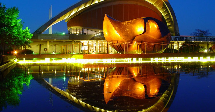 Das Haus der Kulturen der Welt - schwangere Auster Berlin - Tiergarten |© holger doelle / Wiki commons
