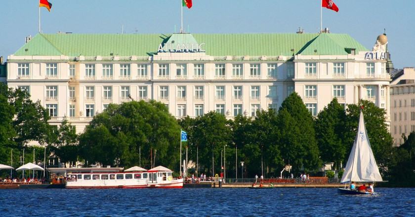 Hotel Atlantic Kempinski Hamburg  © wiki/commons