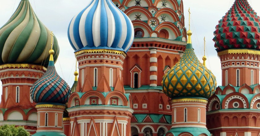 11 Things Tourists Should Never Do While Visiting Russia