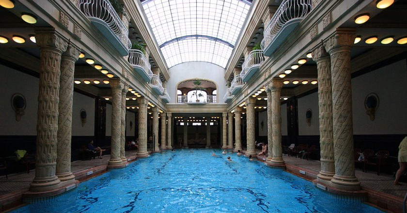Swimming pool in Gellért Baths | © Roberto Ventre/WikiCommons