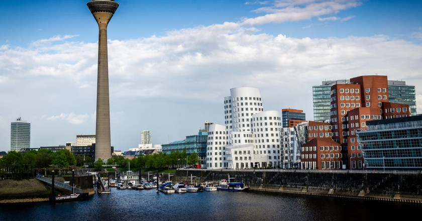 The Best Pub Crawls and Night Tours to Take in Düsseldorf