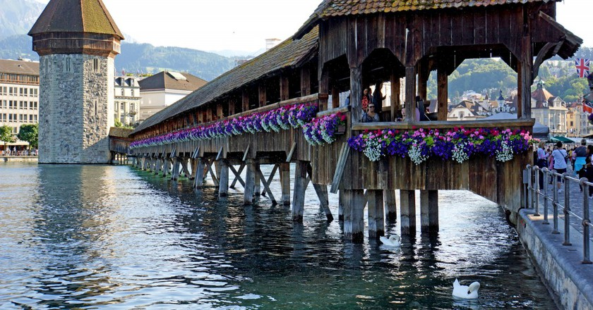 Chapel Bridge   ©Dennis Jarvis/Flickr