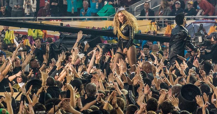Beyonce, Bruno Mars | ©Arnie Papp / Flickr