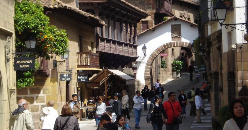 The History Of The Poble Espanyol In One Minute