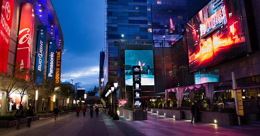 Light Up L.A. Live At Downtown Dark Nights
