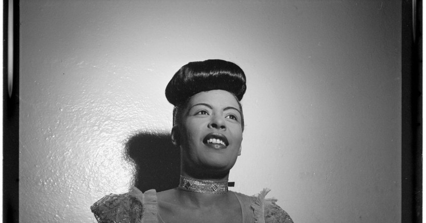 Portrait of Billie Holiday, Carnegie Hall, New York, N.Y., between 1946 and 1948) (LOC) (5020400014) | © The Library of Congress/WikiCommons
