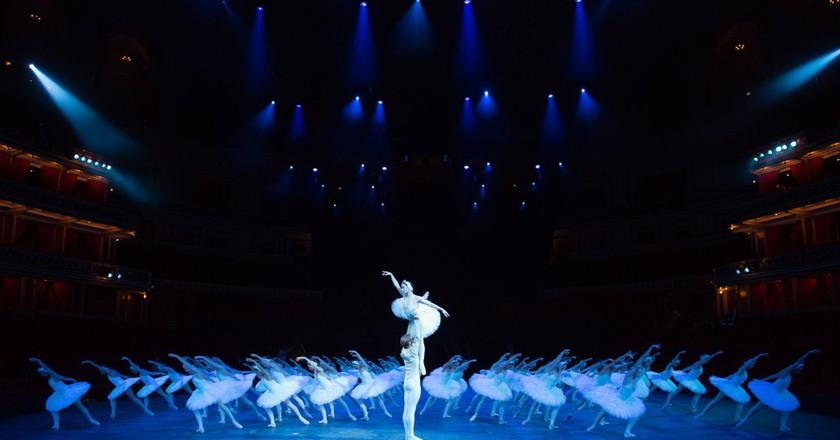 English National Ballet, Swan Lake | © Arnaud Stephenson